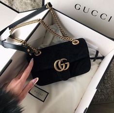 Today we are going to make a small chat about 2019 Gucci fashion show which was in Milan. When I watched the Gucci fashion show, some colors and clothings.Gucci Fashion Show Luxury Purses, Luxury Bags, Luxury Handbags, Prada Handbags, Purses And Handbags, Cheap Handbags, Popular Handbags, Handbags Online, Popular Purses