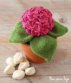 iBook 5 patrones para tejer plantas de ganchillo. Una colección de Pim, pam, teje Crochet Clothes, Crochet Toys, Crochet Cactus, Amigurumi Tutorial, Knitted Flowers, Clay Pots, Plant Decor, Crochet Patterns, Sewing