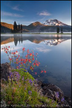 Sparks Lake in the central Oregon Cascades