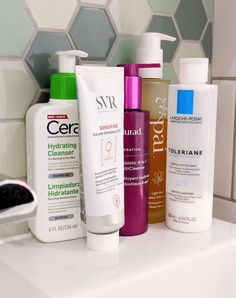 The best cleansers for rosacea and sensitive skin. Trying to find the best skincare routine for rosacea? My blog can help. How to remove make up without irritating rosacea. #talontedlex Sensitive Eyes, Cleansing Oil, Rosacea, Cotton Pads, Cleansers, Facial Cleanser, Skincare Routine, Dry Skin, Infographics