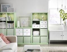 Cine a zis că biblioteca trebuie să aibă culoarea lemnului?  www.IKEA.ro/KALLAX_verde