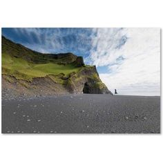 Trademark Fine Art 'Reynisdrangar Beach' Canvas Art by Philippe Sainte-Laudy, Size: 16 x 24, Multicolor