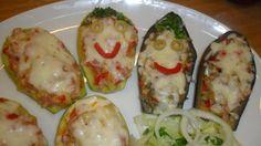 Berenjenas y calabacines rellenos para niños. Ver recetas: http://www.mis-recetas.org/recetas/show/42346-berenjenas-y-calabacines-rellenos-para-ninos