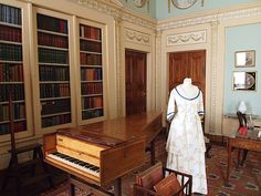 The Library - Berrington Hall - Leominster - Herefordshire - England