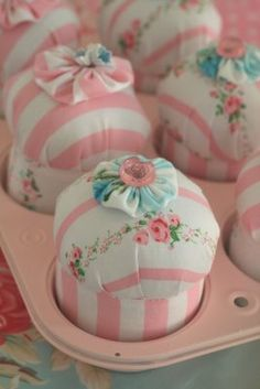 adorable cupcake pincushions - really cute to give away at a special tea party or wedding bridal shower