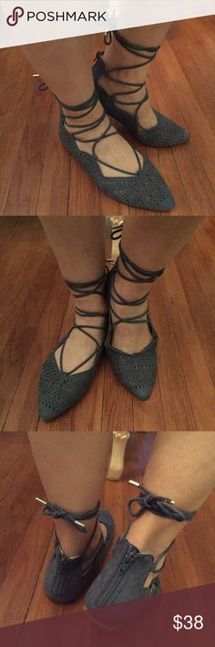 💙 Blue flats 💙 🎉 New without tag🎉 🙀Look through my closet to pair with this item& bundle to save!💕🙀 ❣️Make An Offer!❣️ Report Shoes Flats & Loafers