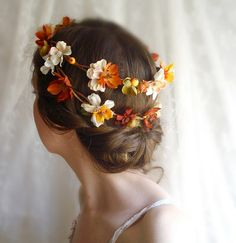 Great Fall Wedding hair wreath. LOVE it. those colors are fabulous for an autumnal themed wedding.