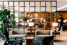 Ilse Crawford: The Designer Of The Year At Maison et Objet Paris   Interior Design Inspiration. Restaurant Interior. #interiordesign #maisonetobjet #restaurantinteriors Find more at: https://www.brabbu.com/en/inspiration-and-ideas/interior-design/ilse-crawford-designer-year-maison-objet-paris