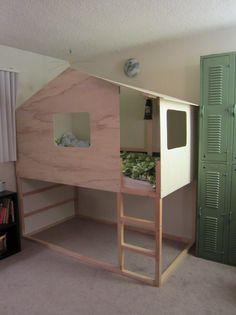 la cabane en bois kallax un ch teau pour enfants cabanes en bois les cabanes et ikea. Black Bedroom Furniture Sets. Home Design Ideas
