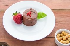 My favourite chocolate mousse is the simplest. A little sugar. Egg white, plus maybe one egg yolk. But some people are not keen on the idea of raw egg white. And I also have several vegan friends in my life. Fun Baking Recipes, Gluten Free Recipes, Vegan Chocolate Mousse, Plant Based Protein, Food Waste, Vegan Baking, Sustainability, Good Food, Kitchens