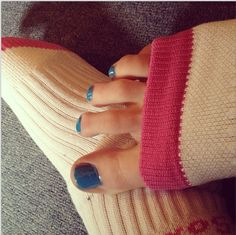 Experience Happiness....The Original Pedi-Sox®  Keep freshly pedicured feet clean while toenails dry flawless.... Plus, super soft skin & heels !