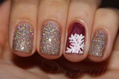 Winter sparkle Christmas Nail Art