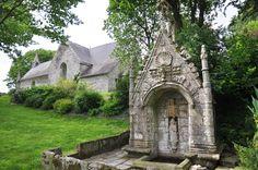 chapelle et fontaine de la trinité à Cléguérec