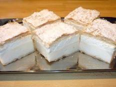 Zákusky, recepty | Tortyodmamy.sk Cheesecake, Desserts, Food, Basket, Tailgate Desserts, Deserts, Cheesecakes, Essen, Postres