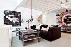Un petit salon noir et blanc / Black and white living room - Marie Claire Maison