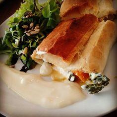 Kürbisstrudel #pumpkin #lilasfood #lunchtime #lovefood #nomnom #oberwart #veggie #andersessen #enjoyyourmeal #foodie