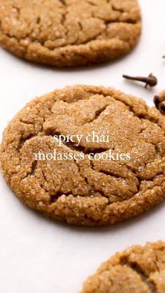Cookies Soft, Cookies Et Biscuits, Fall Cookies, Spice Cookies, Chai Tea Cookies Recipe, Biscoff Cookies, Fall Desserts, Delicious Desserts, Ginger Molasses Cookies