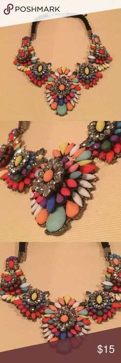 Multicolored Statement Necklace Beautiful statement necklace that will make any outfit pop. Definitely eye catching. Jewelry Necklaces