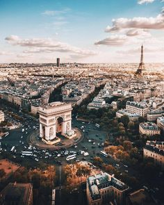Sunrise view of Paris. Arc de Triomphe on the Champs Elysee and the Eiffel Tower. Places to see and visit on a vacation trip to Paris in Europe. Places To Travel, Places To See, Travel Destinations, Travel Deals, Travel Tips, Travel Pro, Luxury Travel, Travel Photos, Paris Travel