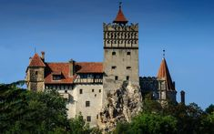 Bran Castle - home of Vlad Tepes aka Vlad the Impaler or aka Dracula if you want Willard Asylum, Spooky World, Dracula Castle, Eastern State Penitentiary, Vlad The Impaler, Highgate Cemetery, The Catacombs, Peles Castle, Bucharest