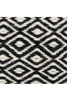 Goose eye carpet white and beige