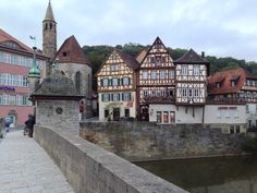 Medieval Fantasy, Nice View, Places To Visit, Germany, Mansions, House Styles, Home Decor, Traditional, Bathing