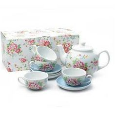 Be the envy of all your friends with this vintage style tea set, featuring our pretty Spray Flowers print. The set comes complete with teapot and four matching mini cups and saucers. Please note that unfortunately this product does not come in a printed box.