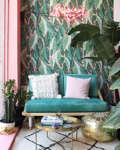 Contemporary interior design - More Interior Trends To Not Miss. - Home Decoration - Interior Design Ideas Retro Home Decor, Diy Home Decor, Urban Home Decor, Vintage Decor, Vintage Style, Green Leaf Wallpaper, Tropical Wallpaper, Bohemian Wallpaper, Leaves Wallpaper