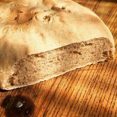 cuisinedemememoniq:Pain maison à la farine d'orge au levain...