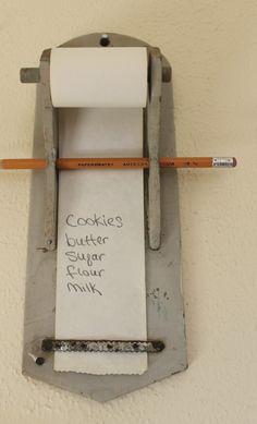liste d'épicerie accroché de mur en bois par Gepettosroom sur Etsy