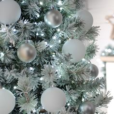 Festive 520 White Glow Worm Lights