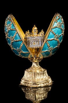 Eggs, eggs, Imperial Fabergé eggs and just normal overpriced chocolate ones! Fabrege Eggs, Faberge Jewelry, Egg Art, Russian Art, Egg Decorating, Oeuvre D'art, Easter Eggs, Perfume Bottles, Bling