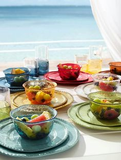 Great colors and size! Love these bowls and other kitchenware.