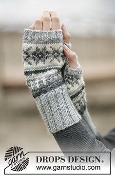 Stjerneskog / DROPS - Free knitting patterns by DROPS Design, DROPS - wrist warmers with Norwegian pattern - free oppskrift by DROPS Design. Crochet Mittens, Mittens Pattern, Knit Crochet, Crochet Granny, Knit Cowl, Hand Crochet, Drops Design, Fair Isle Knitting, Knitting Socks