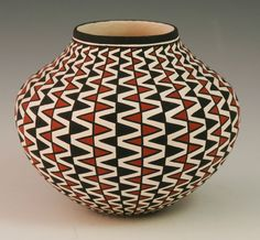 Acoma Pottery - precise & geometric designs skillfully painted by hand. Native American Baskets, Native American Pottery, Native American Art, Ceramic Clay, Ceramic Pottery, Pottery Art, Southwest Pottery, Southwest Art, Pueblo Pottery