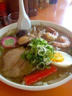 Seafood Ramen Noodle Soup (Hokkaido, Japan)|五目ラーメン