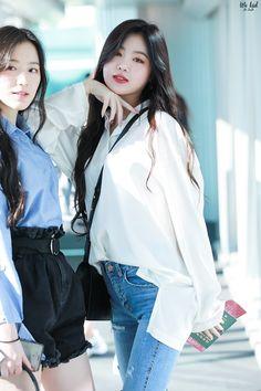 """ We kid | do not edit "" Kpop Girl Groups, Korean Girl Groups, Kpop Girls, Kpop Fashion, Korean Fashion, Soyeon, Soo Jin, Korean Wave, Long Blouse"