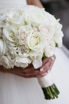 All white bouquet for the bride