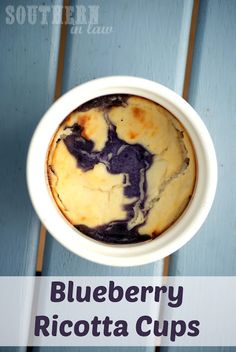 LOW CARB: A delicious warm dessert that has no added sugar. These Blueberry Ricotta cups make a delicious dessert or snack - and definitely don't taste healthy! Gluten free, paleo, clean eating friendly, low fat, low carb and so delicious! Winter Desserts, Köstliche Desserts, Low Carb Desserts, Low Carb Recipes, Delicious Desserts, Dessert Recipes, Cooking Recipes, Yummy Food, Ricotta Recipes Healthy