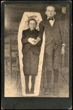 Creepy Post-Mortem Pictures From The Victorian Era That Will Haunt You Forever
