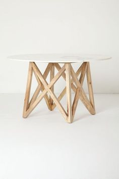 ++ Marble Flyspeck Round Table