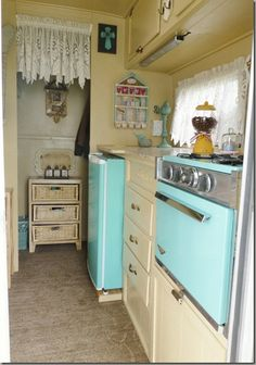 cute aqua and brown camper decor