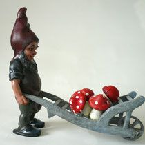 Heissner Gardengnome with wheelbarrow, ~1930, sold