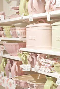 Minty House, pastels, Ib Laursen, pink, appel green, Mynte
