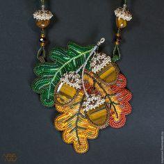 """Купить Колье """"Три мгновения осени"""" - колье, осень, дуб, дубовый лист, желудь, багряный"""