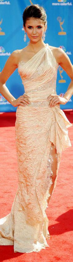 red carpet fashion long dress #oneshoulder nina dobrev vampire diaries ♥ Beautiful dress!!!