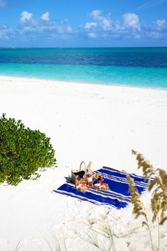 picnic on the beach, love the sea blues in the ocean, coastal clouds and nautical stripe rug xo Turks&Caicos Dream Vacations, Vacation Spots, Surf, Beach Picnic, Summer Picnic, Picnic Spot, Picnic Time, Turks And Caicos, Beach Day