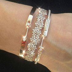 WEBSTA @barirahmaddi Do you love gold bracelet ???OMG! Gorgeous  bracelet   . .   DM for Page PROMOTION . . . . . . ⠀  BEAUTIFUL   ⇰Tag a friend also ⠀⠀⠀Follow @barirahmaddi ⠀⠀Follow @barirahmaddi ⠀Follow @barirahmaddi Follow @barirahmaddi ⠀ . . . . . . #GoldBracelets