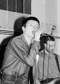 Joy Division Plan K Oct 17 1979 ___________________________ Ian Curtis and Peter Hook performing <3