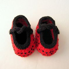 Hand Knit Baby Booties / Infant Girl Shoes  Beaded Lady by ohmay, $28.00